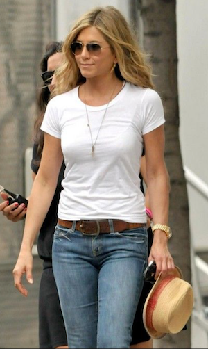 jennifer-aniston-t-shirt-style