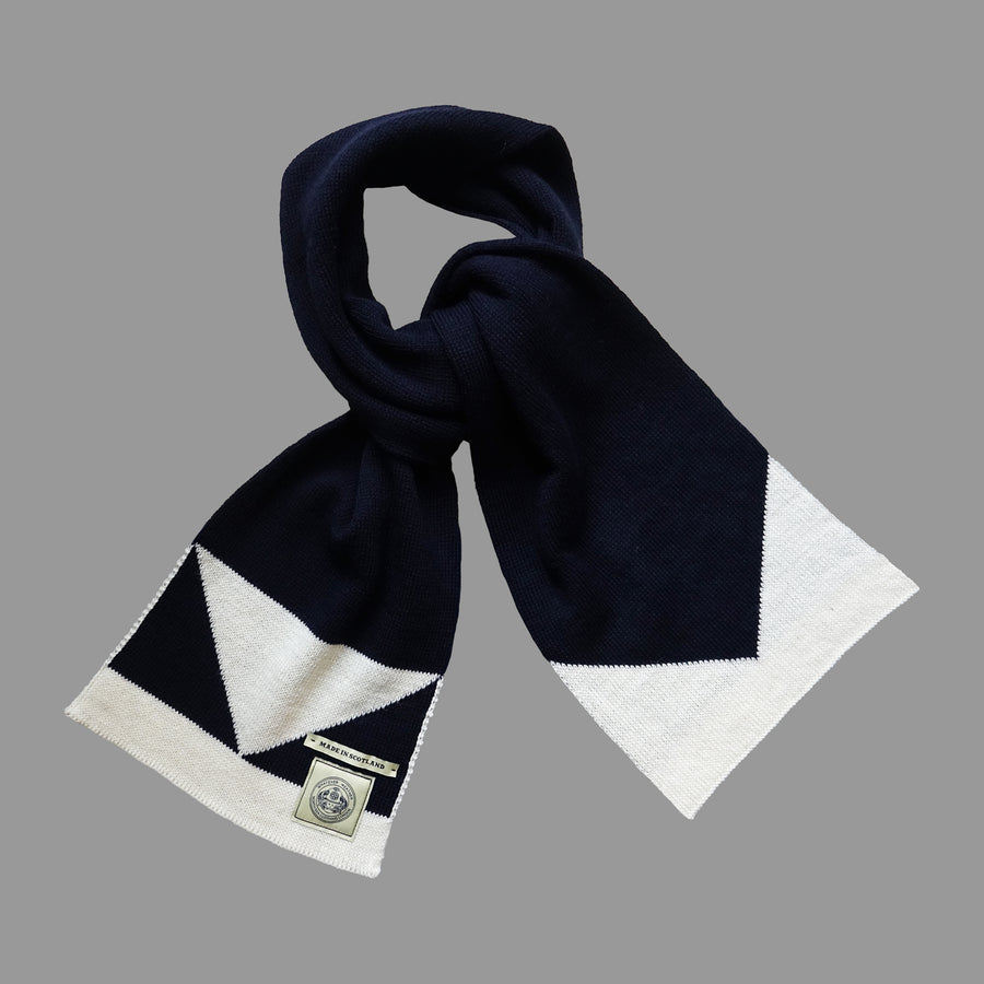 North Sea Clothing navy/ecru triangle pattern scarf