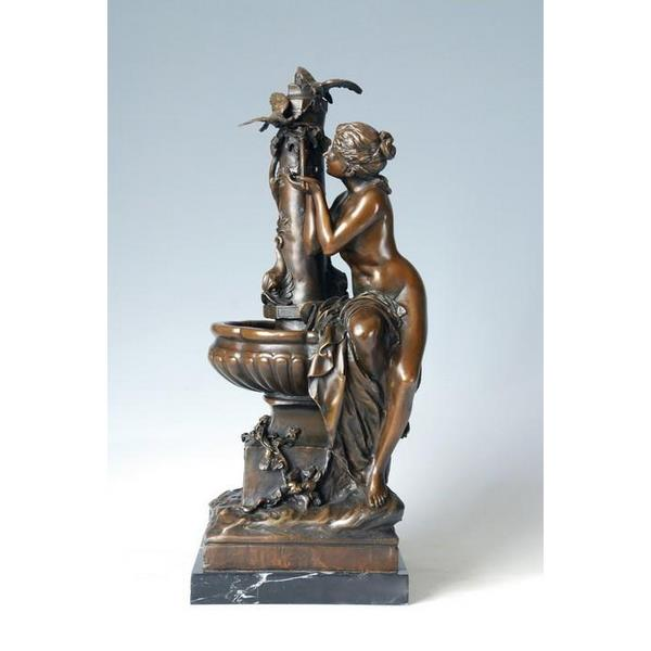 Bronze Women Drinking Water Decorative Figurine 1