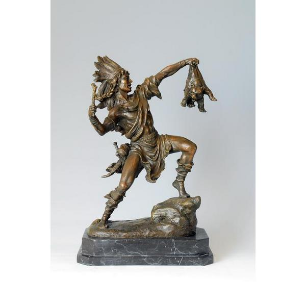 Indian Catch the Bear Bronze Statue Sculpture 1
