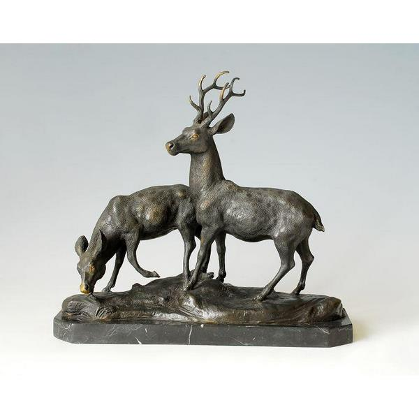 Bronze Outdoor Christmas Deer Sculpture 1