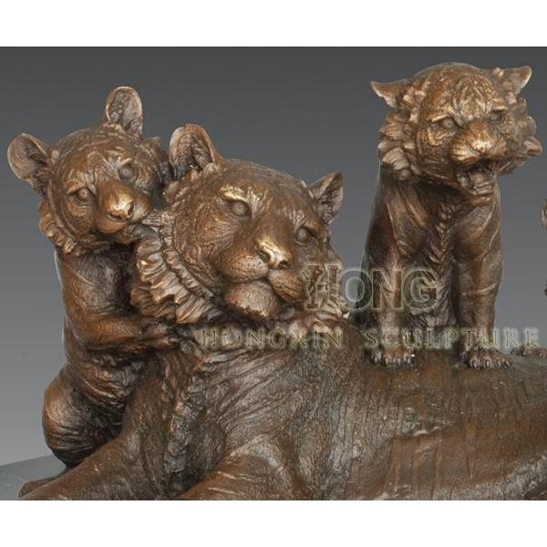 Large Tiger Family Bronze Statue - 1