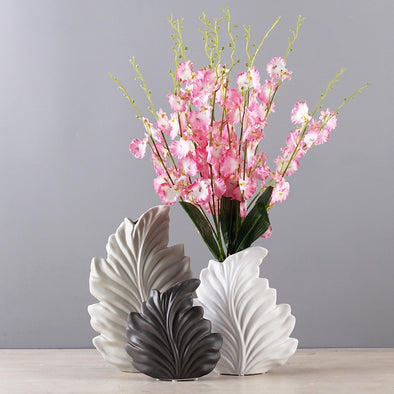 Decorative Ceramic Vase - Minimalist Leaf