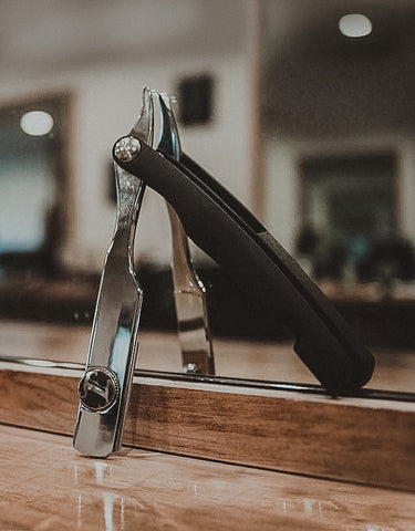 Irving Barber Co. - Chrome / Matte Black Razor
