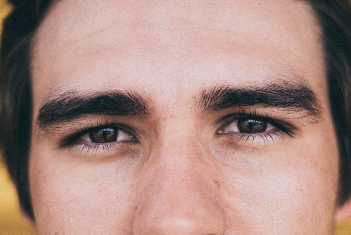 guide to trimming eyebrows