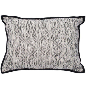 ENNEDI CUSHION - BLACK/WHITE