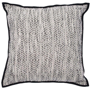 ENNEDI CUSHION | BLACK/WHITE