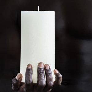 WHITE TEXTURED PILLAR CANDLE - MED
