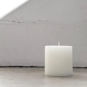 WHITE TEXTURED PILLAR CANDLE - SML