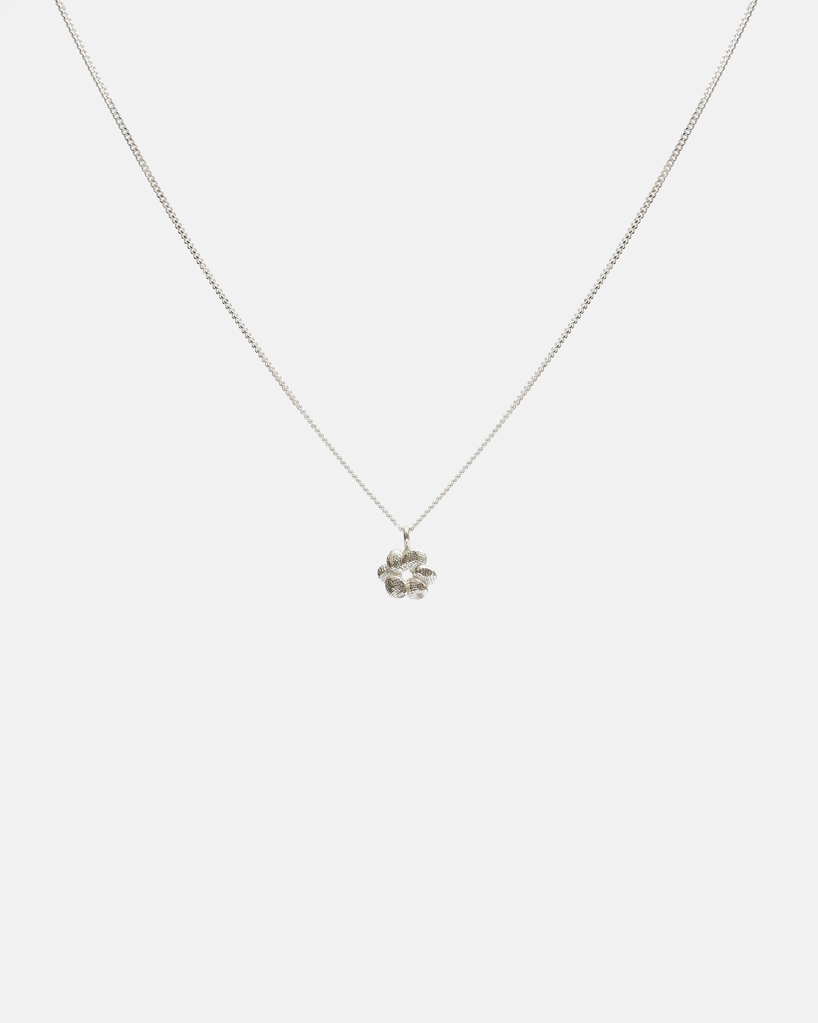 BLOOM CHARM NECKLACE