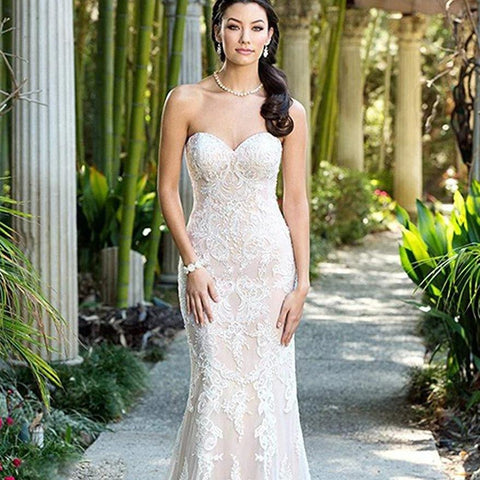 Luxurious Dazzling Strapless Sweetheart Lace Appliques Mermaid Wedding Dress