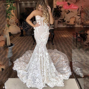 Luxury Sweetheart Mermaid Bridal Dress Appliqued with Floral Lace