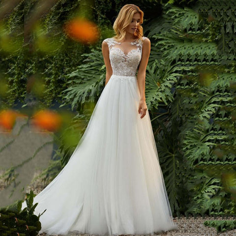 Sweetheart Princess O-Neck Appliqued with Lace top Tulle Skirt Beach Boho Custom Wedding Gown