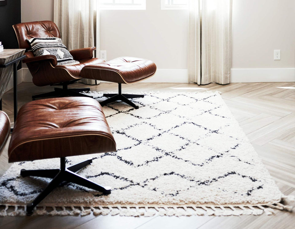 How to Choose a Rug for the Living Room