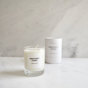 By Makana Candles Grapefruit Lychee Candle: Refreshing and addicting, a citrus accord of grapefruit, pomelo and yuzu, accented by notes of lychee and lilikoi, sweetened with a base of vanilla sugar. Hand-poured in-house in small batches using simple, clean ingredients – 100% soy wax, lead-free cotton wicking.