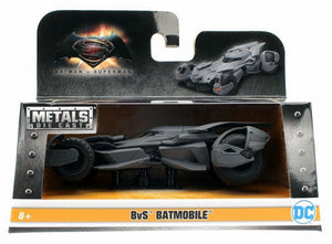 DIECAST 1:32 2016 BATMOBILE DJA98245