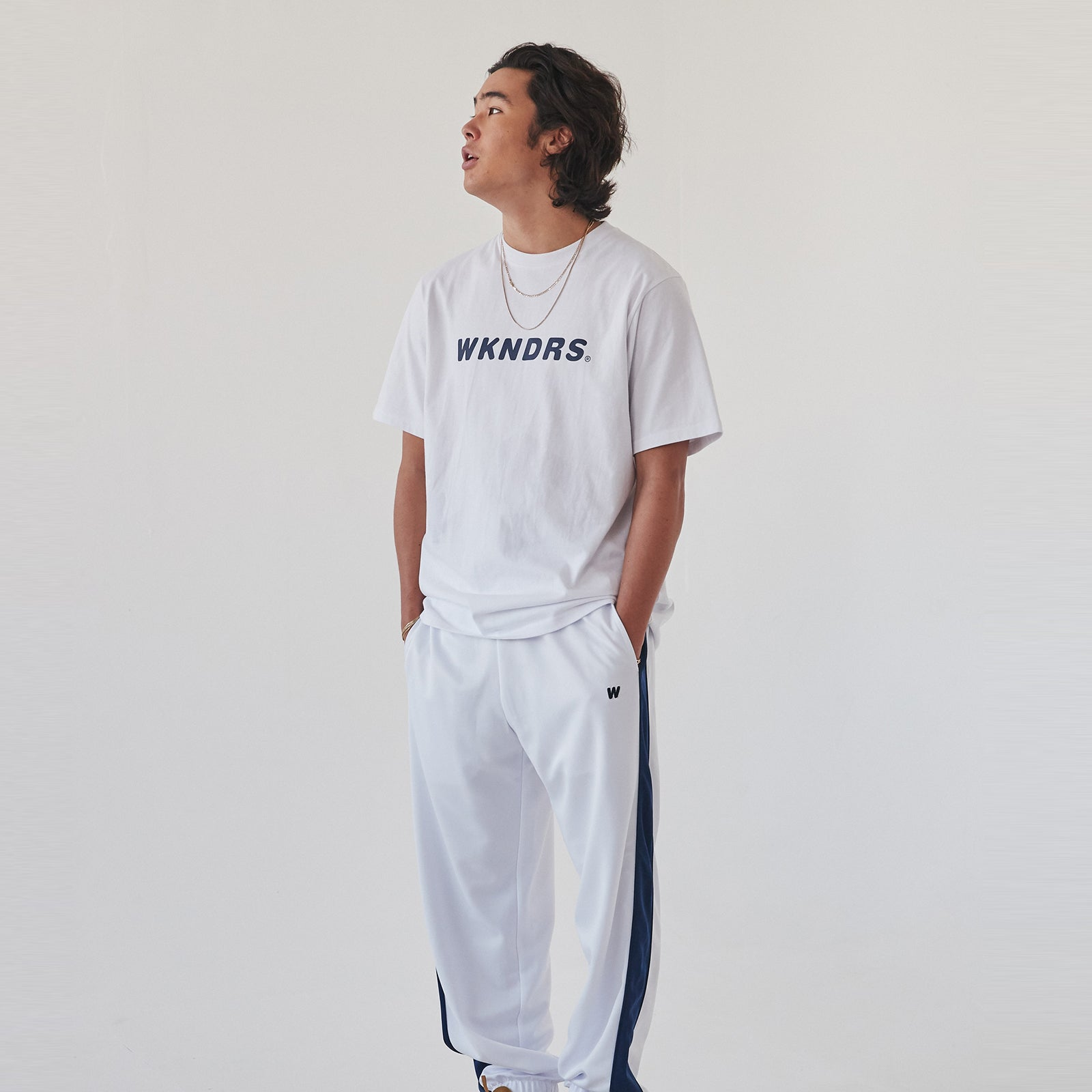 BASIC LOGO SS T-SHIRT (WHITE)