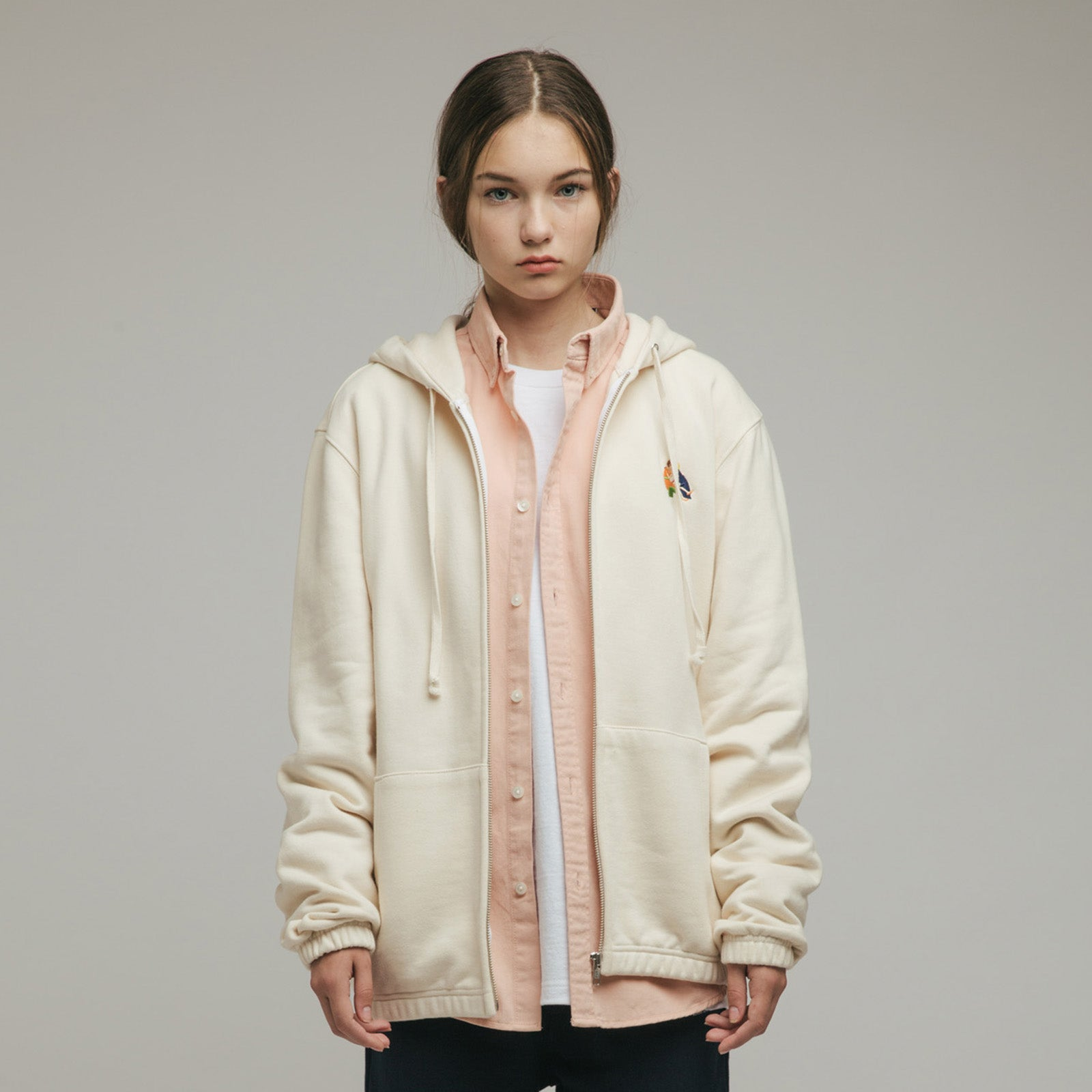 KISS EMBROIDERY HOODED ZIP JACKET (IVORY)