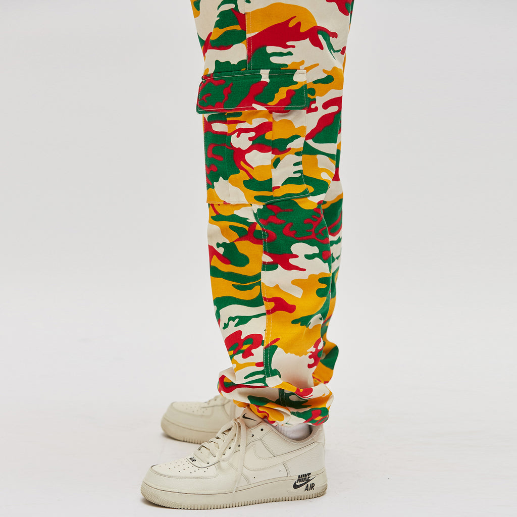 CAMO CARGO PANTS (RED)