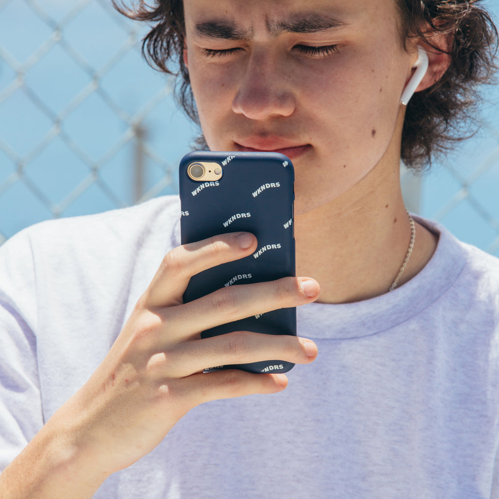 WAVY iPHONE CASE (NAVY)