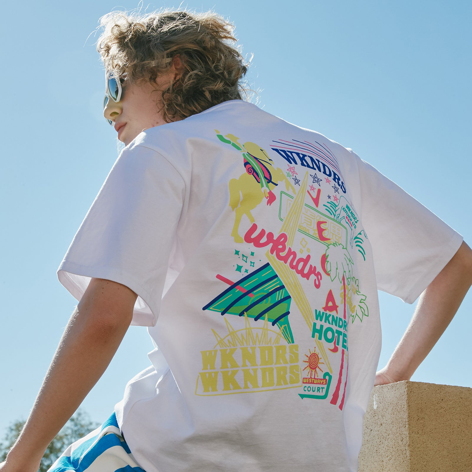 NEON SIGN SS T-SHIRT (WHITE)
