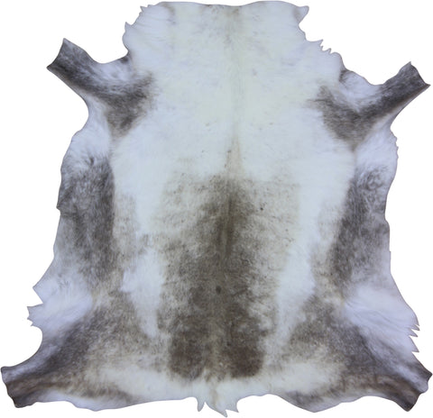 Special Light Reindeer Hide (120cm x 115cm)