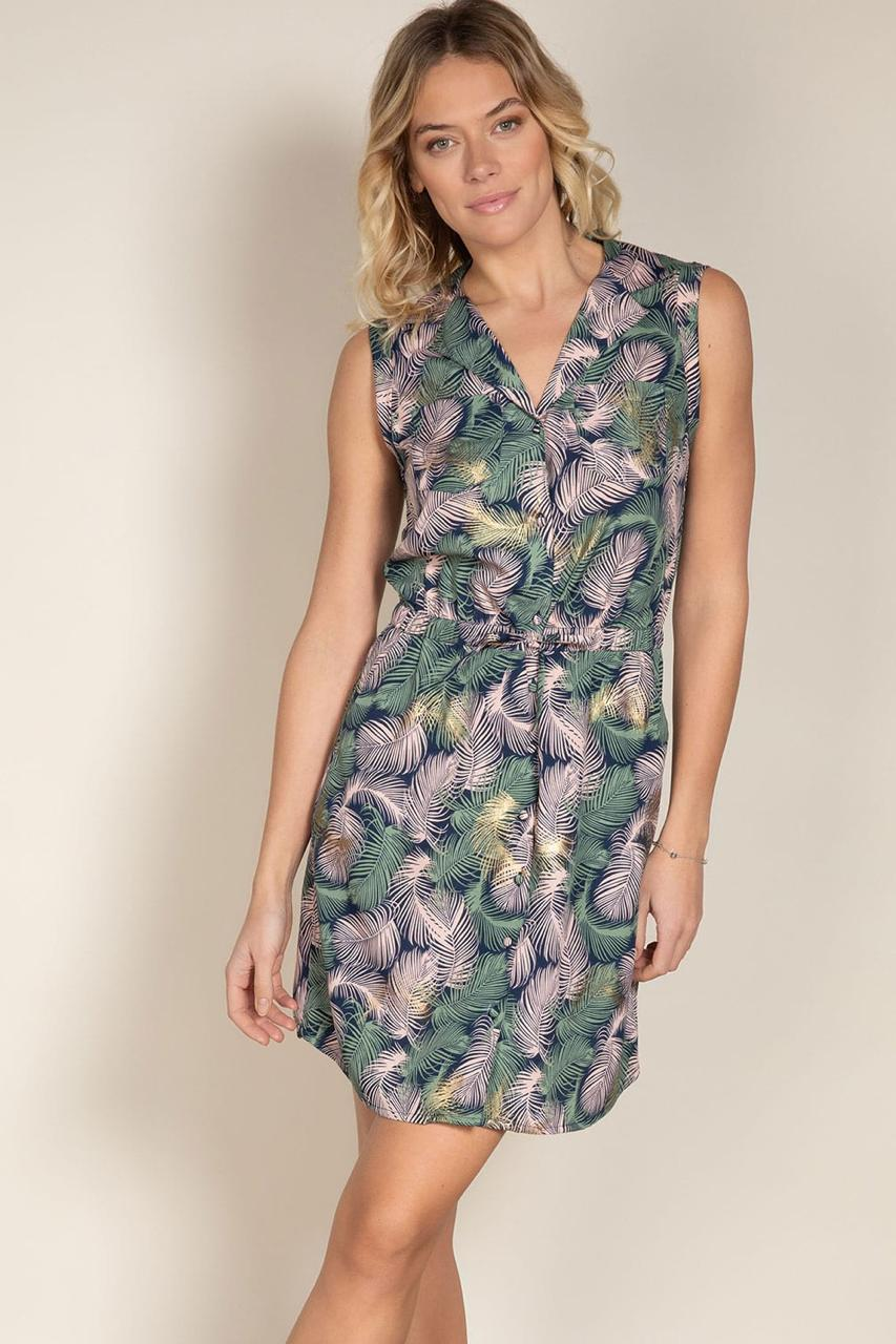 woman in deeluxe floral dress