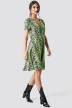 Load image into Gallery viewer, NAKD PRINT BUTTON UP DRESS