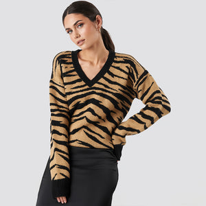 NAKD ANIMAL PRINTED V-NECK KNITTED SWEATER
