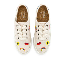 Load image into Gallery viewer, Soludos Porto tan sneakers with colored embroidery