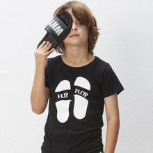 Load image into Gallery viewer, black tee with a flip flip print on front