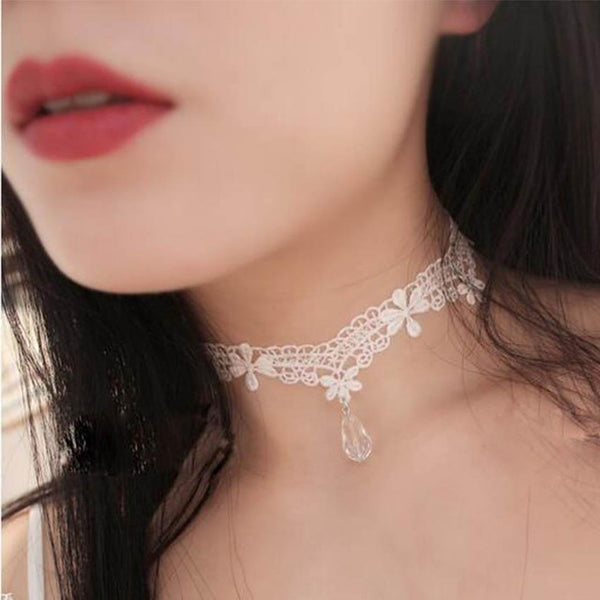 Laced Velvet Embroidery Choker