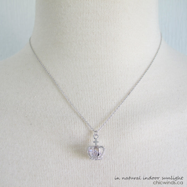 Crystal crown pendant necklace