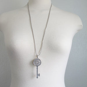 Key Pendant Long Neckalce