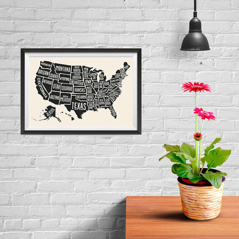 Ezposterprints - The United States of America States Map in Black and White - 12x08 ambiance display photo sample