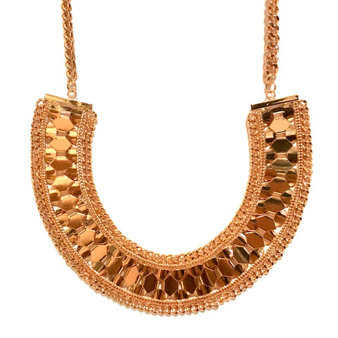METAL HEXAGON CURVED COLLAR NECKLACE IN GOLD