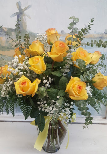 1 Dozen Luxury Roses Bouquet