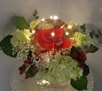 2021 Globe Rose Cube Arrangement