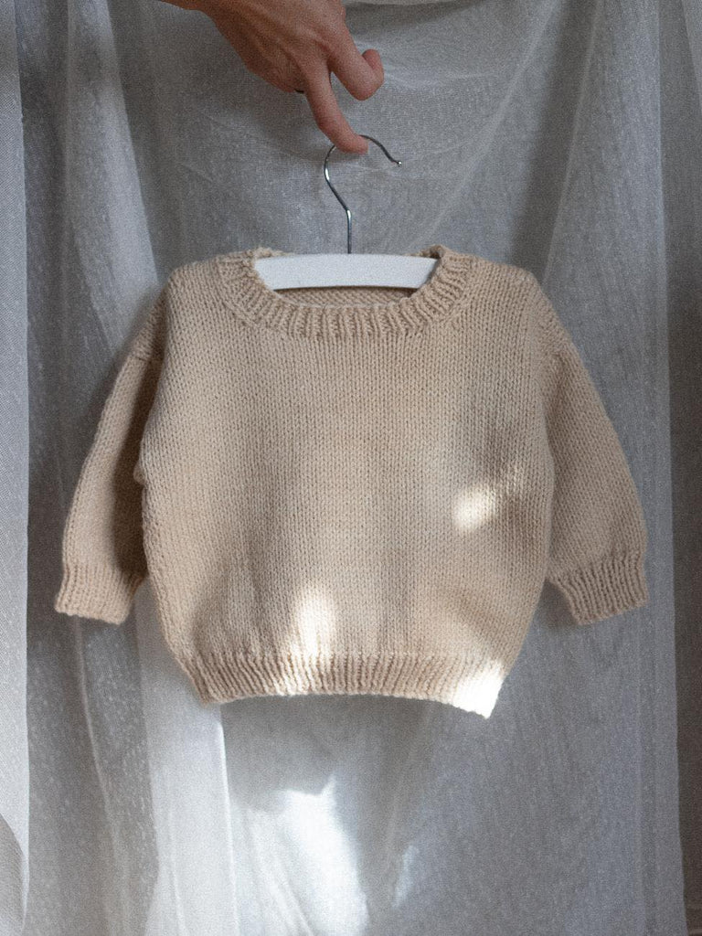 hand knitted baby sweater, NB baby, gift, sustainable, organic, merino, wool. Sunna Studios
