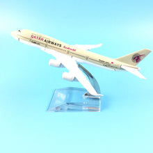 Load image into Gallery viewer, QATAR Airways Boeing B747 400  Airplane Model