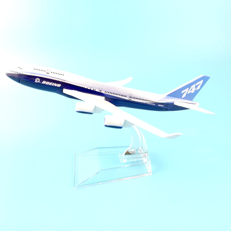 Boeing 747 Dreamliner  Airplane Model