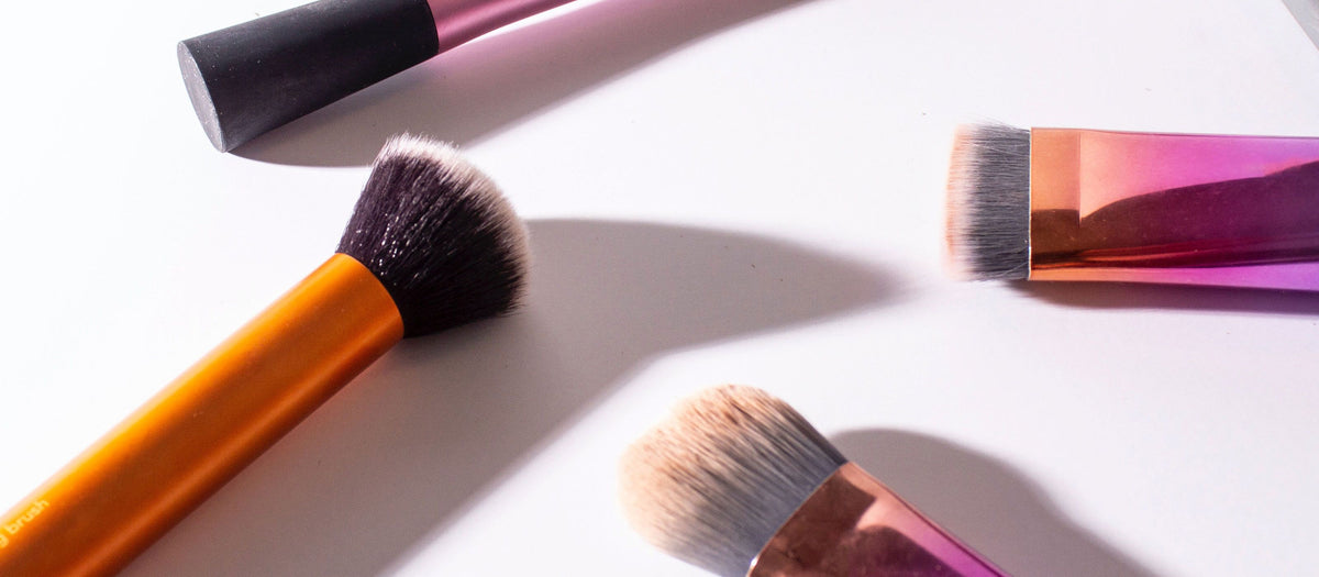 Dirty Makeup Brushes and Acne: How to Prevent Breakouts