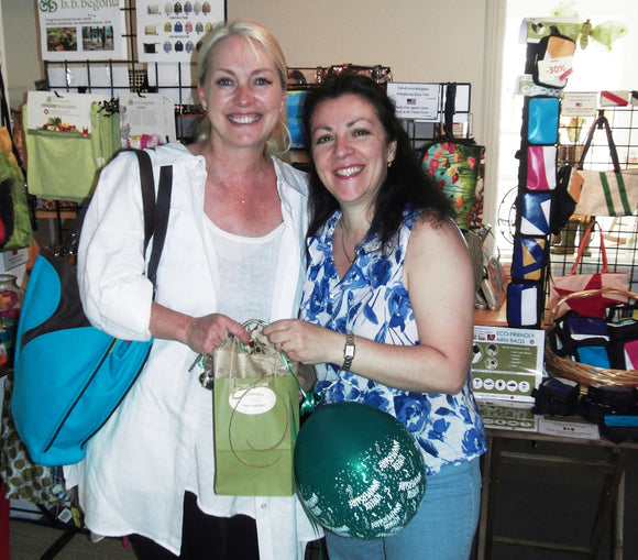 Eco-handbags.ca just celebrated their first anniversary
