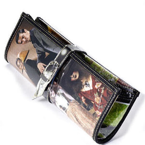Clutch made from recycled fashion magazines
