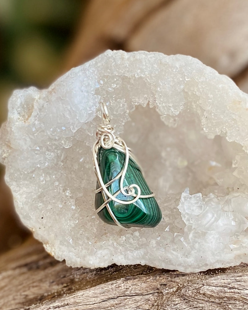 Malachite pendant necklace