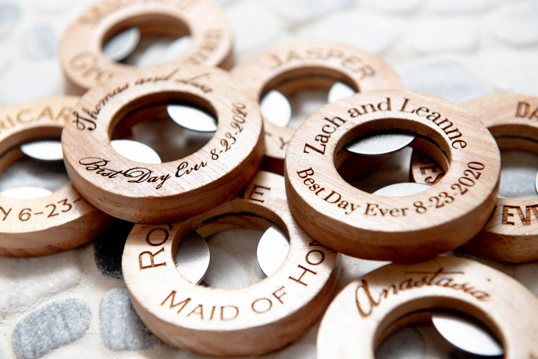 Wedding Party Favor Corkscrew Beer Bottle Opener Personalized Engraved Groomsman Bridesmaid Gift For Guests Bridal Bulk Circle Bottle Opener