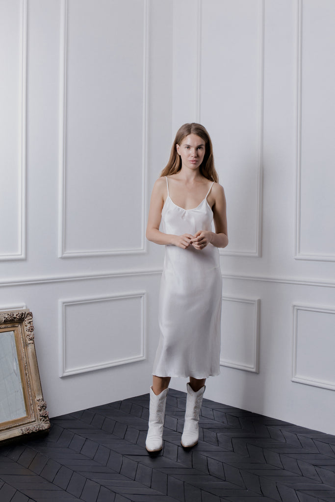 THE GERTRUDE MIDI DRESS - WHITE