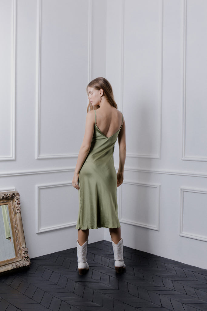 THE GERTRUDE MIDI DRESS - OLIVE