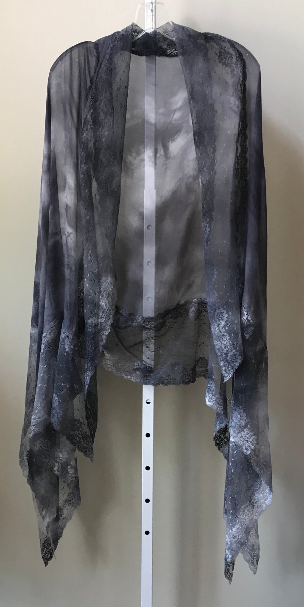 Robin Kaplan Fall/Winter 2019 Silk Lace Leaves Scarf/Shawl in Argento