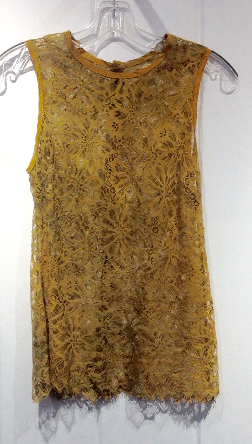 Robin Kaplan Lace Shell in Gold Sprinkled in Size 1 on Sale